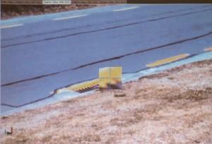 グレーチング隅の座標を求めた例。1枚目の写真上で位置を指示