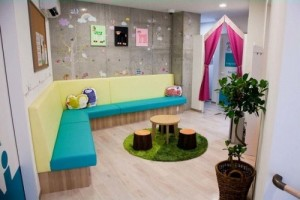 小児科医院の内装デザイン