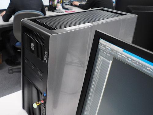 オフィスの一角に置かれた日本ヒューレット・パッカード製ワークステーション「Z820」