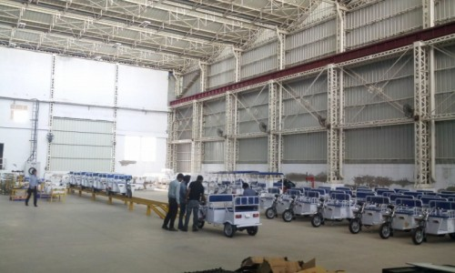 インドのデリーにあるテラモーターズの工場