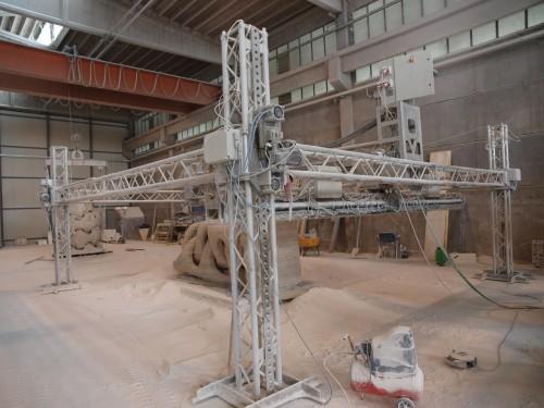 巨大3Dプリンター「D-SHAPE」。写真は7m角のプロトタイプマシン(写真:家入龍太)