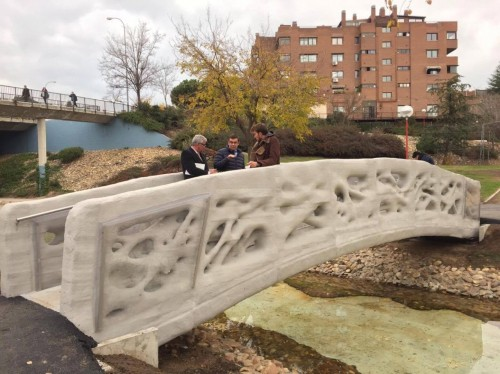 巨大3Dプリンター「D-SHAPE」で作られたスペインの歩道橋(写真:Enrico Dini)