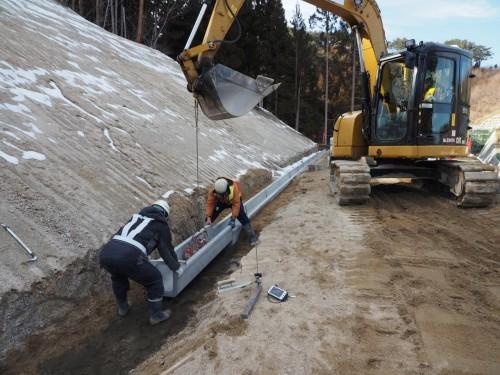 岩手県山田町で行われている側溝の施工