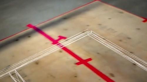 HoloLensを通して床を見ると、配置する部材の位置が3Dで見える