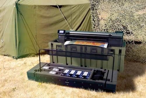 大判複合機を現場最前線で使える「T830 MFP アーマーケースセット」の使用イメージ