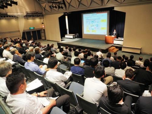 「SPAR 2017Jの講演会場はほぼ満員(以下の写真:特記以外は家入龍太)