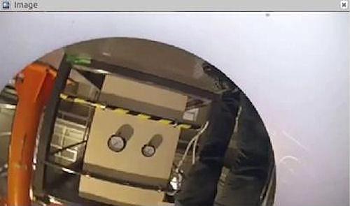 先頭に搭載されたカメラからの映像