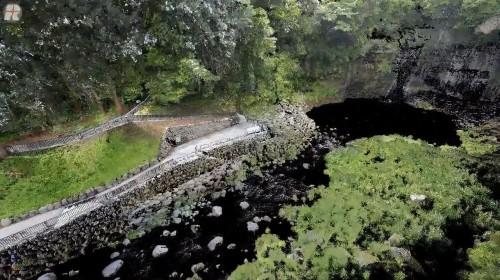 富士測量の「白糸の滝 滝壺周辺の景観整備 工事後」に登場する点群データ