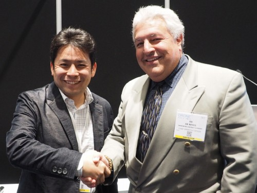 アイ・ロボティクスの齋藤和紀さん(左)とエド・デ・レイスさん