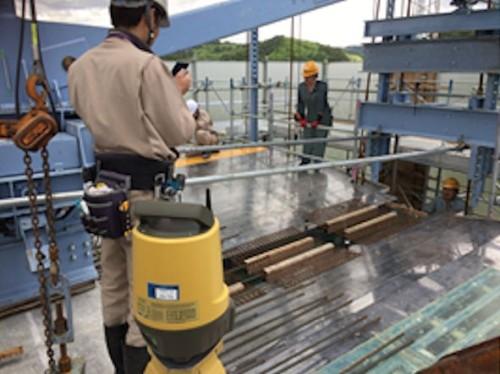国道45号夏井高架橋工事(岩手県久慈市)で型枠のセット時に各部の位置を計測した例
