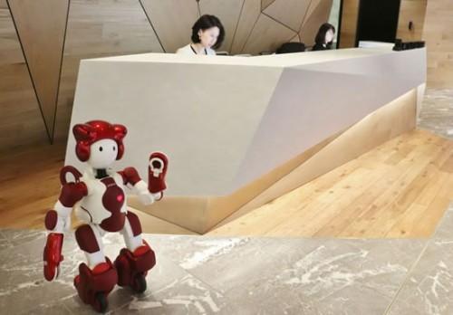 三菱地所新本社ビルでの実証実験のイメージ(以下の写真、資料:日立製作所、日立ビルシステム)