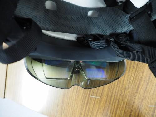 HoloLens内側の超小型液晶ディスプレー