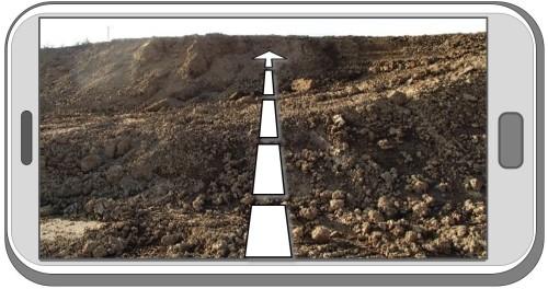そのとき、画面には測線を示すガイド線が表示されるので、この線をはずさないように歩く