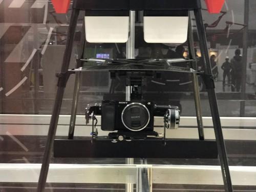 ペイロードは3.0kgあり、ドローン用のカメラやセンサーなどをたくさん積んで飛べる
