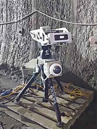 デジタルカメラとレーダーが一体化した「切羽崩落振動監視レーダーシステム」の測定システム(以下の写真、資料:清水建設)