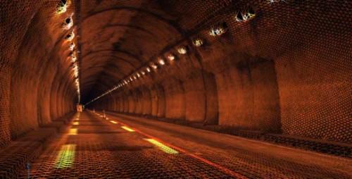 WingEarthの「3Dメッシュ」機能。トンネルのように垂直の壁や天井面がある構造物の点群にもスムーズに面を張ってメッシュデータ化できる