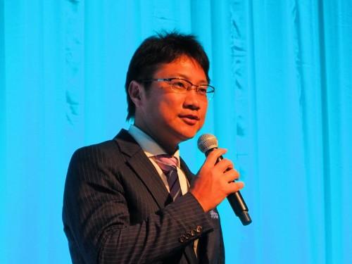 講演するU's Factory代表取締役の上嶋泰史氏