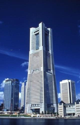 実験が行われている横浜ランドマークタワー(以下の写真:三菱地所)