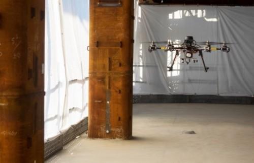 ドローンによる自動巡回システムが人間に代わって現場最前線の情報を収集