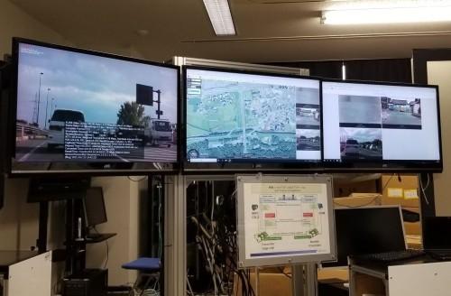 車載カメラの映像から路面の異常を自動的に発見する「AI道路管理支援システム」(以下の写真、資料:ウェザーニューズ)