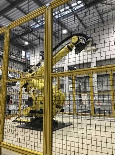 実施工用に開発されたコンクリート3Dプリンター(以下の写真:前田建設工業)