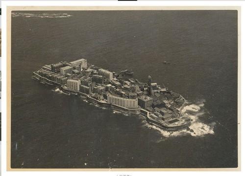 海底炭鉱で栄えていたころの軍艦島