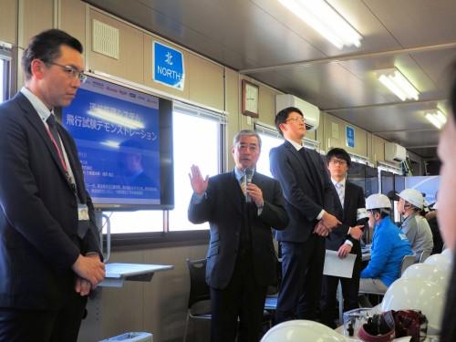 「福島ロボットテストフィールド」で行われた実証実験で記者会見するNEDOプロジェクト関係者(以下の写真:特記以外は家入龍太)