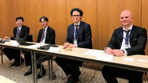 東京・銀座で開催されたプレス発表会で。左から日本法人のGraebert Japanの千葉浩氏、同・代表の江端陽二氏、Graebert社CTOのRobert Graebert氏、同・セールス・マーケティング担当役員のCedric Desbordes氏(写真:家入龍太)
