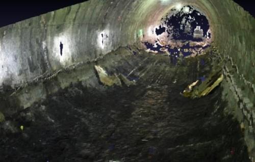 タブレットパソコンで作成されたトンネル坑内の点群データ