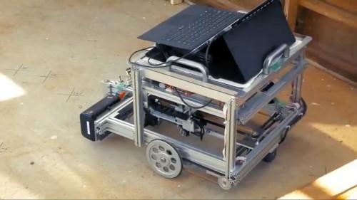 EQ Houseの施工で使用された自走式墨出しロボット