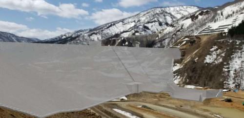 現場の風景とコンクリートダムの3Dモデルを重ねて見た映像
