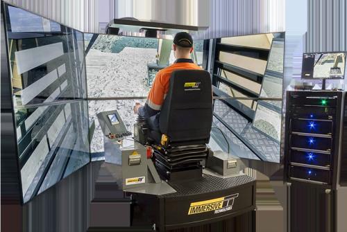 鉱山用重機の訓練用シミュレーター「LX6」。上下左右に視界が広く、座席の傾きや振動も再現している(以下の資料:Immersive Technologies Pty Ltd. )
