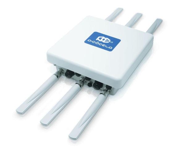 屋外用アクセスポイント「PCWL-0410」。IP67相当の防水性能がある(写真:ピコセラ)