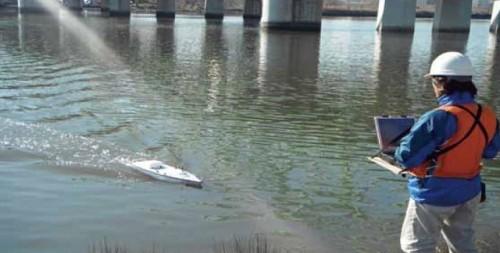 測深装置部は無人ボート「CARPHIN V」のものを小型化した