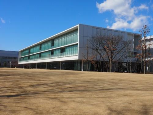 大林組技術研究所本館「テクノステーション」の外観(写真:家入龍太)