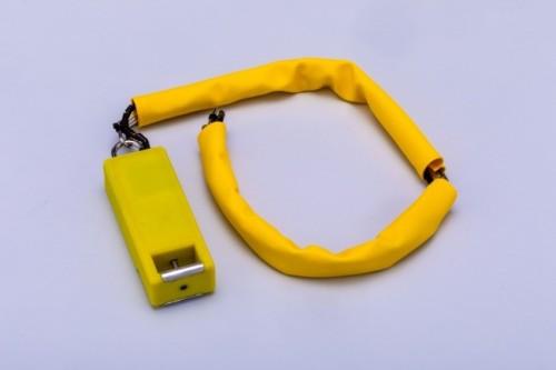 ロープを引っ張り、所定の位置に投下する「切り離し装置」