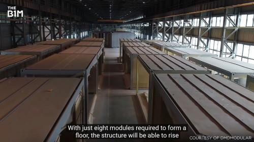 工場内に並んだ客室のモジュール。天候に左右されず、高品質で製作されている