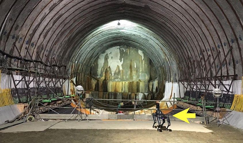 首都高速 横浜環状南線 釜利谷ジャンクション Cランプトンネル工事の現場(以下の写真:鹿島、ソフトバンクロボティクス、ソフトバンク)