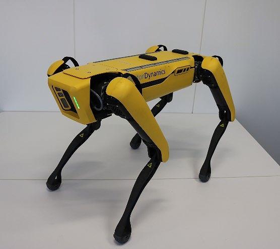 土木現場でも走行できる四つ足歩行ロボット「Spot」