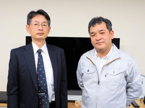 「橋梁CIMシステム」を開発したオフィスケイワン技術開発部 開発グループリーダーの亀井透匡さん(左)と代表取締役の保田敬一さん(右)