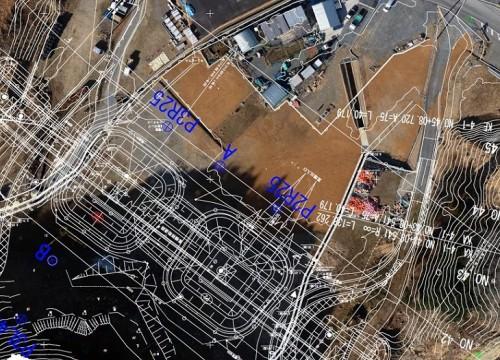 ESRIオンラインマップ上に設計CAD図面を重ね合わせたところ