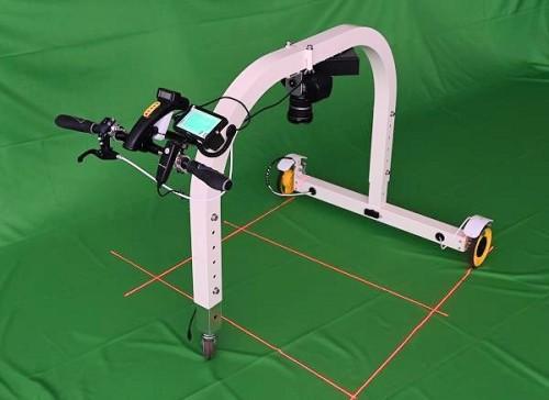 床面ひび割れ検知ロボット(手動式)「Floor Doctor」