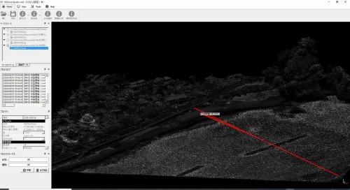 ALBで計測された河津駅付近の点群データ。赤線が断面図を作成する部分