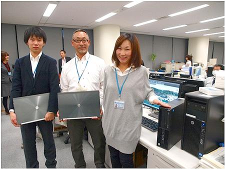 CIM担当スタッフと。左から構造部橋梁第一室の小浦拓人氏、伊東靖次長、池田美由起氏
