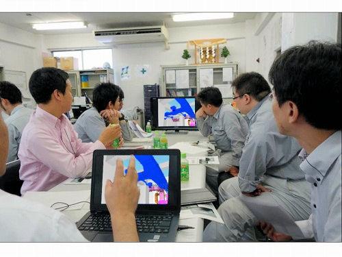 出張先や会議でのBIM活用にはZBook14が便利だ