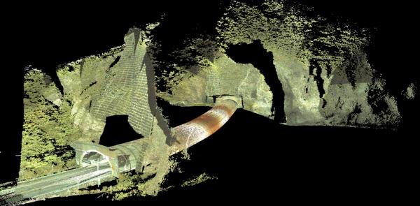 道路トンネル内を計測した点群データ(上)。坑口付近の地形とトンネル内部を合体した点群データ(下)