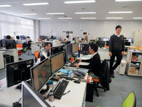日本HPのワークステーションが所狭しと並ぶDVI沖縄オフィス