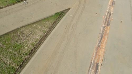 道央圏連絡道路の建設現場を空から見た写真(TG-3 工一郎の空撮動画より切り出し)