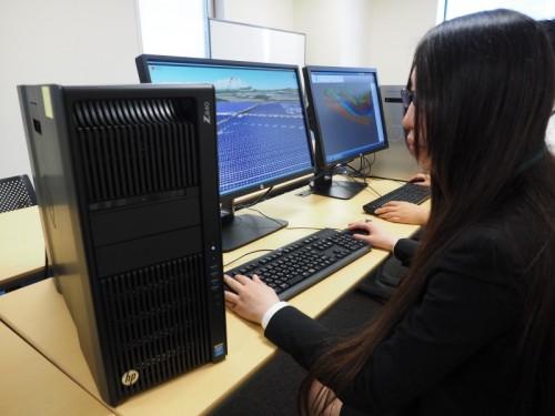 日本HPの最上級ワークステーション「Z840」を活用し、メガソーラーの設計を行う日本国土開発土木本部技術部CIM推進チームの米谷朋恵氏