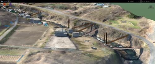 渓谷の様々な場所に橋のモデルを架けて景観シミュレーションや動線の検討を行った